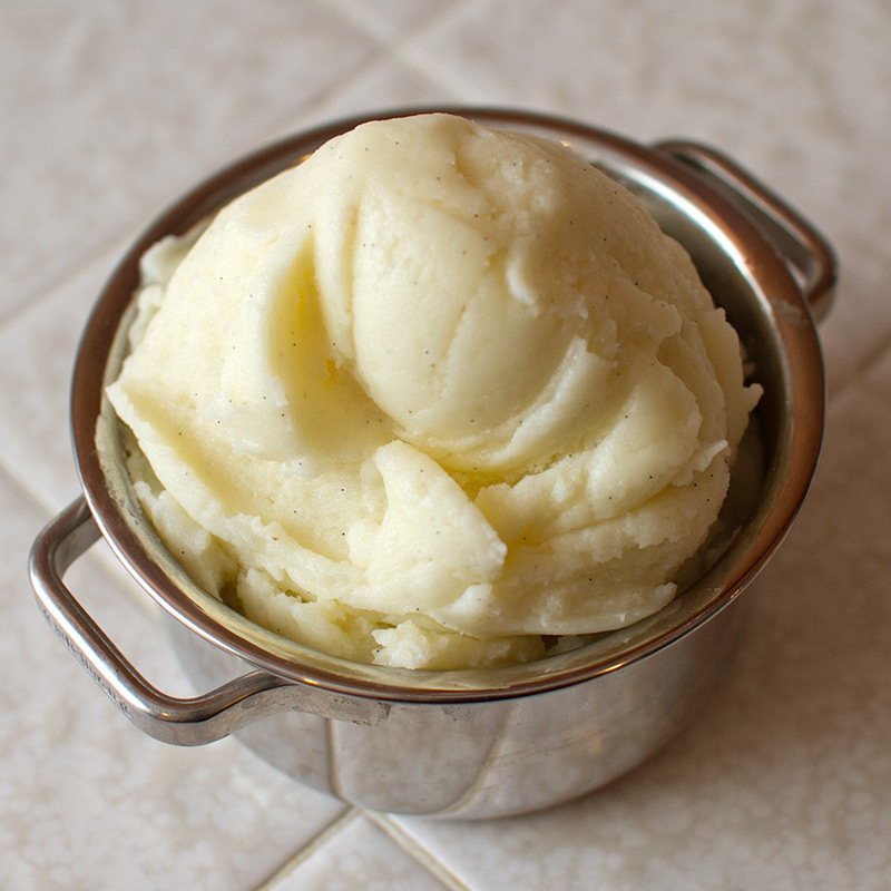 Vanilla Bean and Mascarpone Mashed Potatoes - FMITK: From My ...