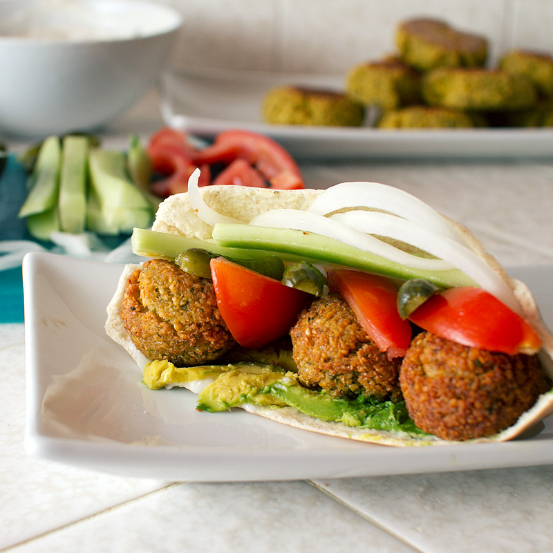 tahini yogurt baked quinoa patties baked falafel patties with yogurt ...
