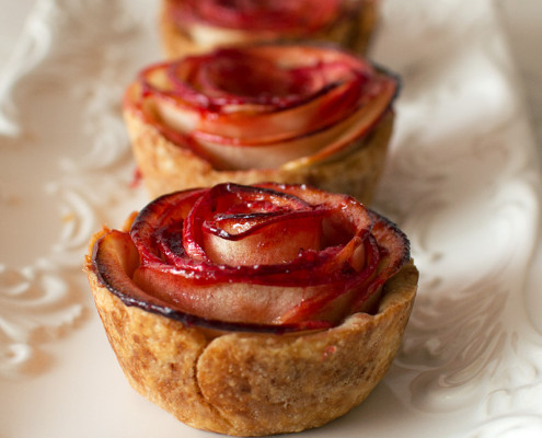 mini rose apple pie recipe on fmitk.com