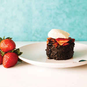 chocolatecakestrawberries2